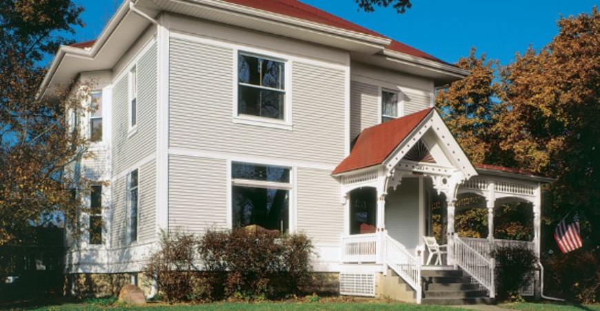Economy vinyl siding that doesn't skimp on appearance or quality by Alside
